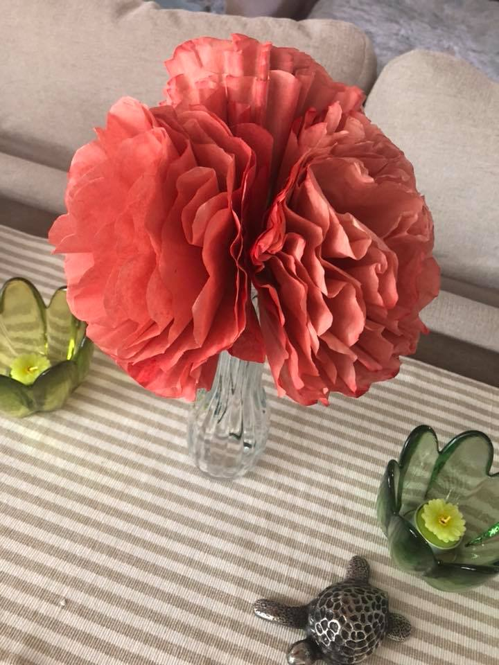 Coffee Filter Peonies - an easy DIY guide - Learn how to make beautiful DIY Peonies using coffee filters! So pretty yet so easy! | https://heartenedhome.com
